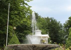 Brunnen-Hochformat
