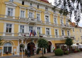 Hotel-Savoy-1
