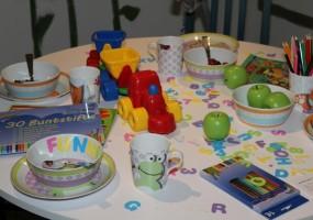 Kindertisch-1024x683-min