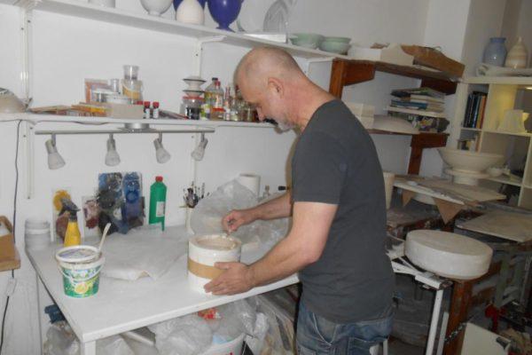Porzellanreisen Meissen Porzellankünstler bei Arbeit